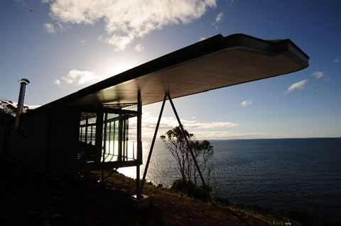 The Winged House in northern Tasmania is canti-levered to give the impression that you are just about to take flight as a bird or plane into the ocean air currents.
