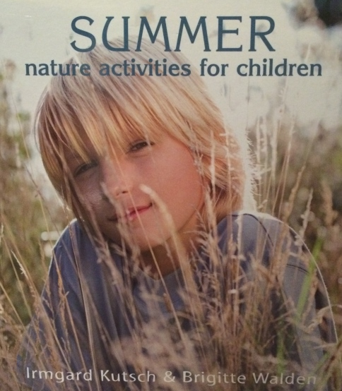 This book, originally written in German, is designed to give children a hands on experience of nature: the elements, plants and animals.